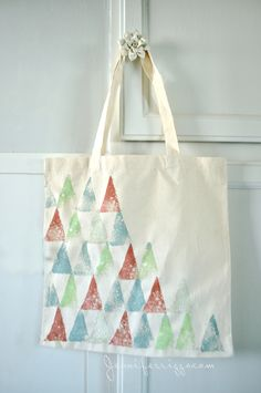 Tote bag made with sponge stamps, a fun and easy project