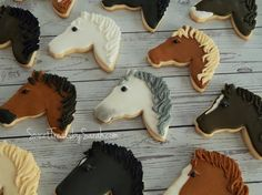 Simple Horses Cracker Cookies, No Bake Cookies, Royal Icing Cookies, Baking Cookies, Cupcake Cookies, Sugar Cookies, Horse Baby Showers, Horse Cookies, Horse Treats