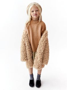 Make Exceptional Fashion Choices With These Tips – Look Book Fashion Toddler Girl Style, Toddler Girl Outfits, Zara Kids, Baby Girl Fashion, Kids Fashion, Style Hipster, Winter Outfits For Girls, Stylish Kids, Kid Styles