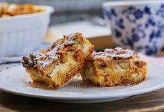 Bedobálós túrós süti | Street Kitchen Tortilla Pizza, Pound Cake, Banana Bread, Sweet Tooth, French Toast, Deserts, Muffin, Dessert Recipes, Healthy Eating