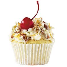 Southern Living College Football cupcakes - Alabama: The Alabama Lane Cake RTR! Football Cupcakes, Football Food, College Football, Football Baby, Football Team, Cupcake Recipes, Cupcake Cakes, Dessert Recipes, Cupcake Ideas