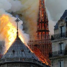 EN IMAGES. Incendie à Notre-Dame de Paris : le désastre Monuments, Paris Painting, Burj Khalifa, Paris France, Amazing Art, Images, Louvre, City, Instagram