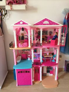 Casa dos sonhos da Barbie lide in the dreamhouse