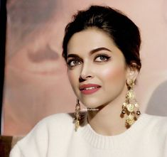 prasanna nr - Google+ Bollywood Girls, Bollywood Celebrities, Bollywood Actress, Dipika Padukone, Deepika Padukone Style, Indian Star, Big Girl Fashion, Indian Film Actress, Everyday Makeup