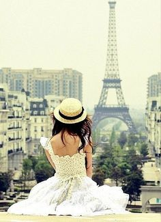 I want to be this girl. Paris is beautiful and magical and she just seems to have embraced the magic. #flyfree