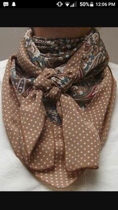 Cowboy Images Combo Green Paisley w/Cowboy Brown Dot Silk Scarf cafsew colours Ways To Wear A Scarf, How To Wear Scarves, Tie Scarves, Western Outfits, Western Wear, Look Fashion, Autumn Fashion, Womens Fashion, Cowboy Images