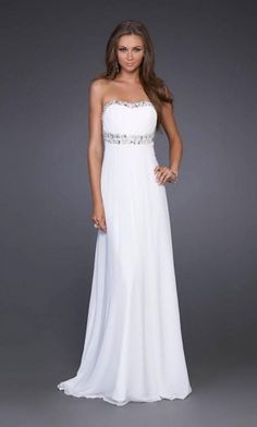 Why do they have this listed as a bridesmaid dress? This would be a gorgeous wedding Style Empire Strapless Sleeveless Floor-length Chiffon Bridesmaid / Evening Dresses / Prom Dresses My Perfect Wedding, Wedding Looks, Homecoming Dresses, Bridesmaid Dresses, Wedding Dresses, Dress Prom, Dress Long, Party Dress, Bridal Gowns