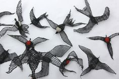 Waumer (Frigate Birds) - Pirates of the Air - Jimmy John THAIDAY, 47 x 85cm, Ghost Nets & Twine over Steel Frame (Code: 15-112)