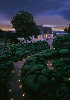 The gardens of Marqueyssac. How cute are these tealights?!