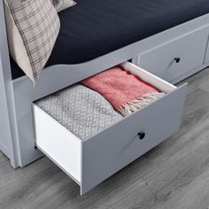HEMNES Daybed frame with 3 drawers, gray. Four functions - sofa, single bed, double bed and storage solution. Ikea Bedroom Design, Luxury Bedroom Design, Living Room Tv Cabinet, Ikea Living Room, Living Rooms, Painted Beds, Painted Drawers, Hemnes Day Bed, Single Day Bed