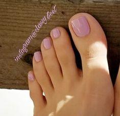 Pretty Toe Nails Design Ideas – Beauty & Seem Beautiful Pink Toe Nails, Pretty Toe Nails, Toe Nail Color, Cute Toe Nails, Feet Nails, Pretty Toes, Nail Colors, Toenails, Pink Toes