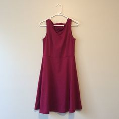 Maroon Dress This almost vintage feel dress is amazingly comfy and can be worn with sneakers, or dressed up for a night out. Great fit and in perfect condition! Merona Dresses Midi