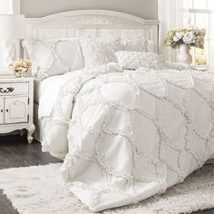 What kind of bedroom decor do you favor? The days when the bedroom had to be crisp clean simple and . Read Sweet Shabby Chic Bedroom Decor Ideas to Fall in Love With Shabby Chic Bedrooms, Shabby Chic Homes, Shabby Chic Furniture, Shabby Chic Decor, White Furniture, Furniture Ideas, Country Bedrooms, Girl Bedrooms, Cheap Furniture