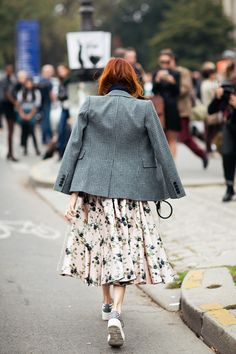 surely that's #TTH. major skirt/blazer combo in Paris... the hair... it has to be, right? #TaylorTomasiHill