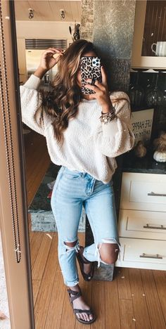 Style Fashion Tips .Style Fashion Tips Casual School Outfits, Cute Comfy Outfits, Cute Casual Outfits, Teen Fashion Outfits, Simple Outfits, Outfits For Teens, Stylish Outfits, 90s Fashion, Korean Fashion