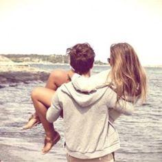 Love on the beach <3