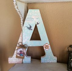 Retazos de Madera                                                                                                                                                                                 Más Letter A Crafts, Letter Art, Craft Letters, Decoupage, Baby Door Decorations, Diy And Crafts, Arts And Crafts, Flower Letters, Shabby Chic Style