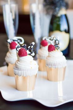 RASPBERRY Champagne Cupcakes with Champagne Buttercream Frosting http://thecupcakedailyblog.com/raspberry-champagne-cupcakes/ #raspberry #champagne #cupcakes #buttercream #frosting