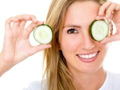 Pimples are easily considered as a girl's worst enemy. Although a normal skin condition like any other, pimples on the face and neck can make you look rather Cucumber For Face, Cucumber Beauty, Organic Beauty, Organic Skin Care, Natural Skin Care, Natural Beauty, Salt Face Scrub, Remedies For Glowing Skin, Pimples Under The Skin