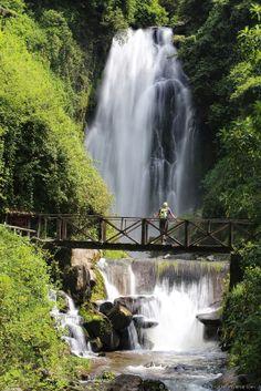 Vera waterfall peguche otavalo ecuador  - Otavalo is on the 10 day
