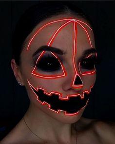 Halloween Makeup Clown, Amazing Halloween Makeup, Halloween Eyes, Halloween Costumes, Easy Clown Makeup, Halloween Photos, Vintage Halloween, Halloween Make Up Scary, Zombie Makeup Easy