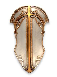 Dwarven Shield, beaten metal with gilding that resembles flux.