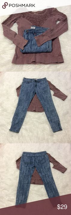 """FREE PEOPLE ANKLE JEANS These are perfect with those cute booties for fall-spring and Summer too. They have a zip at the ankle. Measurements lying flat Waist 16"""" Inseam 25.5"""" Free People Jeans Ankle & Cropped"""