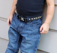 A simple DIY belt that encourages independence with a buckle toddlers can do themselves!