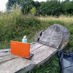 My outdoor workspace. When you can't do what you planned, it's nice to find a place where you can still get work done while combining it with something fun and easy. Outdoor Sofa, Outdoor Furniture, Outdoor Decor, My Workspace, Vienna, Canning, How To Plan, Nice, Places