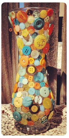 DIY Button Craft: DIY Make a Button Vase Decoration