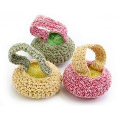 Ravelry: Spring Cleaning Scrubbies pattern by Lion Brand Yarn Crochet Kitchen, Crochet Home, Crochet Crafts, Yarn Crafts, Crochet Projects, Crochet Ideas, Lion Crochet, Cute Crochet, Crochet Yarn