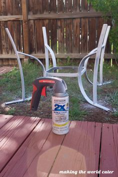 How to Make a Perfect Glass Patio Table Makeover Patio Furniture Makeover, Metal Patio Furniture, Patio Furniture Cushions, Furniture Design, Furniture Ideas, Recycled Furniture, Refurbished Furniture, Patio Table, Diy Patio