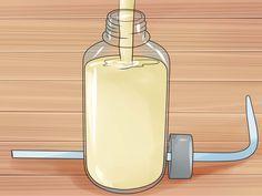 Le savon de Castille est un savon biodégradable préparé avec de l'huile d'olive, de l'eau et de la soude. Il a été inventé à Alep et ramené par les croisés dans la région de Castille en Espagne où il est devenu populaire. Pendant des siècle...