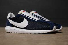 Nike x Fragment Design Roshe LD-1000 SP | Nike aligns with long time collaborator- Hiroshi Fujiwara of Fragment design for an exclusive take on the ubiquitous Roshe Run silhouette.
