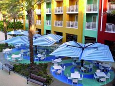#sunshades #quadrifoglio #multivalvola www.gardenart.it Sun Shade, Restaurant, Umbrellas Parasols, Diner Restaurant, Restaurants, Dining