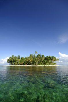 'Little key in tropical San Blas Archipelago Panama