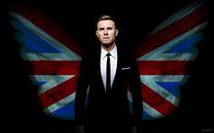 gary barlow - love this pic! British Things, British Boys, Howard Donald, Jason Orange, Mark Owen, Gary Barlow, Moving To The Uk, Robbie Williams, Sweet Memories