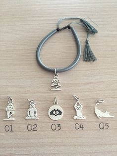 Yoga Cat Silver 925 Charm on Grey Cotton di RevolutionJewels