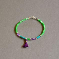 """Bracelet fantaisie """"Tallie"""" pierres fines, perles argent et pompon : Bracelet par kanakeis"""