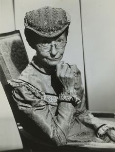 Irene Ryan...born October 17,1902 ln El Paso, Texas...and died April 26, 1973 in Santa Monica, CA.  She is best known for playing Granny on The Beverly Hillbillies.