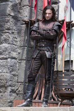 Richard Armitage as Sir Guy of Gisborne - Robin Hood BBC ---- hahaha I will never get over how Guy looks like a medieval biker. Richard Armitage, Cello, Fantasy Inspiration, Character Inspiration, Character Ideas, Writing Inspiration, Social Spirit, Party In Berlin, North And South