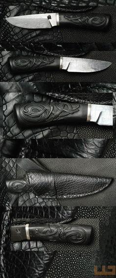 Gerdil Лоран - Скульптура - Человек Клинок Дамаск Грег Делоне, длина 10 см. Резные черное дерево ручки. крокодил дело. Общая длина 20 см