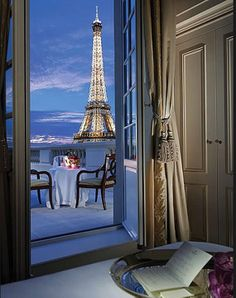 That would be an epic view.. | Shangri La  - Paris