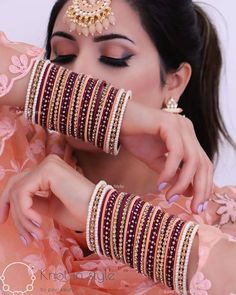 Indian Bridal Jewelry Sets, Bridal Jewelry Vintage, Bridal Bangles, Wedding Jewelry, Silver Bangles, Thread Bangles Design, Fancy Jewellery, Jewelry Design Earrings, Jewelry Accessories
