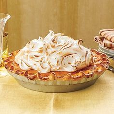 Sweet Potato Pie with Marshmallow Meringue - 23 Ways with Sweet Potatoes - Southernliving. Recipe: Sweet Potato Pie with Marshmallow Meringue Brownie Desserts, Delicious Desserts, Dessert Recipes, Yummy Food, Southern Desserts, Healthy Food, Marshmallow Meringue Recipe, Meringue Pie, Gourmet