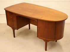 60s Danish teak desk - 2052_tkdsk2a.jpg 1,365×1,035 pixels