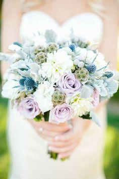 Blueberry + Lavender Hued #WeddingBouquet I Flower Allie I…