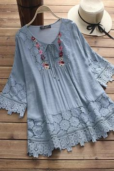 Women Casual Loose Lace Cutout Tops Tunic Blouse Shirt With . Read more The post Women Casual Loose Lace Cutout Tops Tunic Blouse Shirt appeared first on How To Be Trendy. Kurta Designs, Blouse Designs, Chic Outfits, Fashion Outfits, Fashion Blouses, Blouse Vintage, Stylish Dresses, Shirt Blouses, Lace Blouses