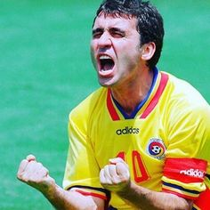Romanian football legend Gheorghe Hagi reprimands own player for feigning injury Retro Football, Vintage Football, Football Soccer, World Cup Winners, Everton Fc, International Football, 15 Years, Football Players, Athletes