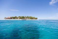 50 shades of blue... this is paradise!.. are you missing it?! #beachcomberislandfiji #southpacific #fiji http://www.beachcomberfiji.com/